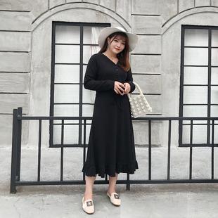 大码女装胖mm藏肉连衣裙2018秋冬胖妹妹V领显瘦针织裙女