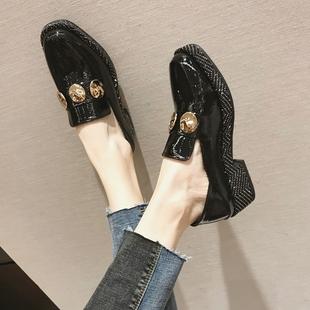 2019春季百搭金属装饰漆皮粗跟单鞋学生厚底女鞋子潮