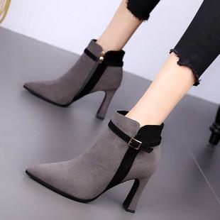 欧美尖头短靴女粗跟2018秋冬高跟鞋拼色性感皮带扣复古马丁靴