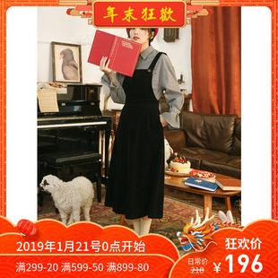 omont蛋挞家 复古宽松黑色灯芯绒背带裙女学生长款连衣裙冬季