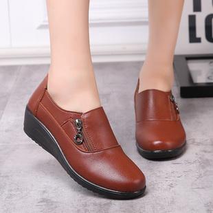 春秋季女单鞋中跟中老年女鞋妈妈鞋圆头皮鞋女坡跟大码鞋