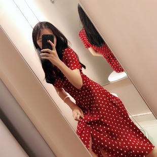 ins超火的v领冷淡风红色法式复古雪纺波点连衣裙女夏2021裙子